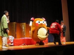 舞台の上では、らくさぶろうさん&芸乃虎や志さん&めがねロック大屋さんと共演させて頂きました!