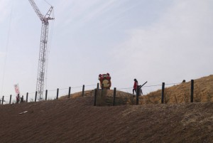仮囲いを見た後は、正光寺山古墳に登って新居浜を一望しました!w 気持ちよさそ~!