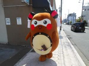 んさん産直市の後は、昭和通りをお散歩。